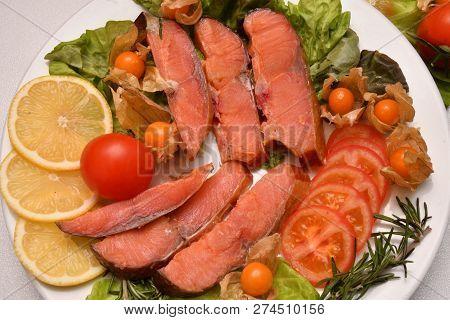 Chinook Salmon (lat. Oncorhynchus Tshawytscha) Smoked
