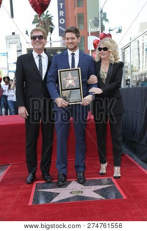 LOS ANGELES - NOV 16:  Lewis Buble, Michael Buble, Amber Buble at the Michael Buble Star Ceremony on the Hollywood Walk of Fame on November 16, 2018 in Los Angeles, CA
