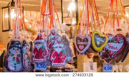 Gingerbread Motives Snowmen Santa Clauses Hearts With German Text