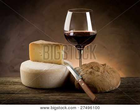 red wine bread and cheese