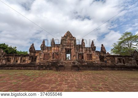 Prasat Muang Tam Historical Park Is Castle Rock Old Architecture About A Thousand Years Ago At Burir