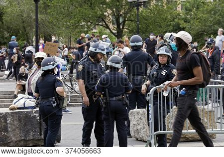 New York, New York/usa - June 2, 2020: Police Monitor Protesters On Union Square During George Floyd