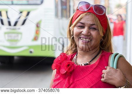 Cartagena, Colombia - January 23th, 2018: Portrait Of A Mature Local Woman, Native Of Cartagena, Wea