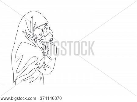 One Continuous Line Drawing Of Young Happy Saudi Arabian Muslimah Wearing Burqa And Covering Face Wi
