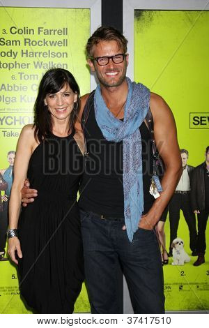 """LOS ANGELES - OCT 30:  Perrey Reeves, Johann Urb  at the """"Seven Psychopaths"""" Premiere at Bruin Theater on October 30, 2012 in Westwood, CA"""