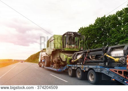 Heavy Industrial Truck With Semi Trailer Platform Transport Disassembled Combine Harvester Machine O