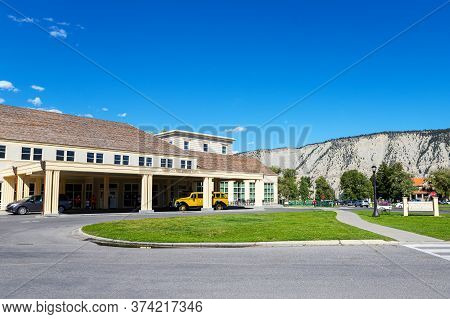 Wyoming, Usa - Aug. 28, 2019: Mammoth Hot Springs Hotel Is A Historic Hotel Built In 1936 And Named
