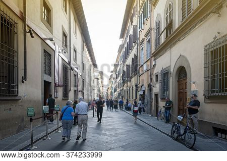 Florence, Italy - October 2019: Street In Historic Center Of Florence, Capital City Of The Tuscany R
