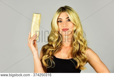 Professional Tinted Hair Care Product. Pigment Enhances Cold Tint On Bleached Hair And Neutralizes Y