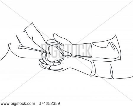 One Line Drawing Of Children Giving Love Heart Shaped To Mother Or Father. Mom And Dad Loving Care P