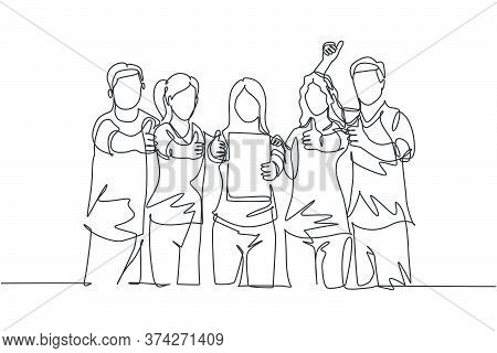 Single Line Drawing Group Of Young Happy Entrepreneur Show The Award Certificate And Giving Thumbs U