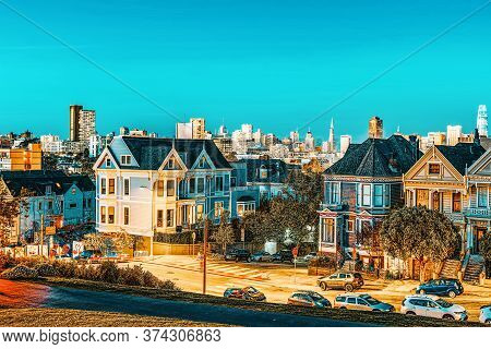 Panoramic View Of The San Francisco Painted Ladies (victorian Houses).