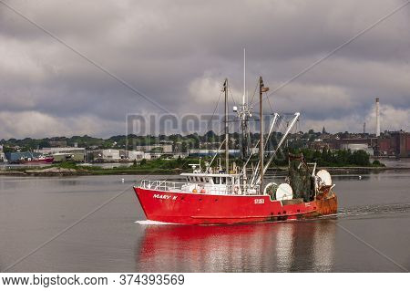 New Bedford, Massachusetts, Usa - July 1, 2020: Commercial Fishing Boat Mary K Glowing In Sunlight T