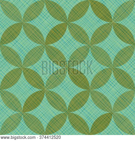 Interlacing Circles Parts Artistic Seamless Vector Pattern. Guatrefoil Flower Green Tessellation End