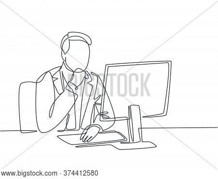 One Single Line Drawing Of Young Startup Ceo Thinking Company Growth While He Watching Annual Report
