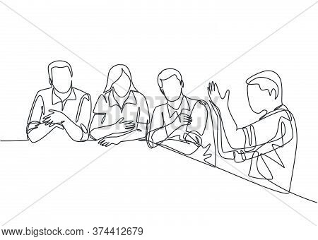 One Single Line Drawing Of Young Male And Female Workers Discuss About Project In Company Meeting. B