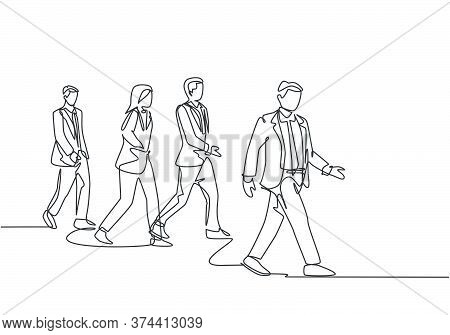 One Continuous Line Drawing Of Group Male And Female Urban Commuters Walking Pass Over On City Stree