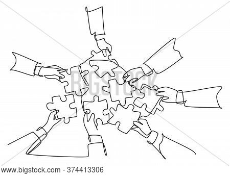 Single Continuous Line Drawing Of Male And Female Business Team Members Unite Puzzle Pieces Together