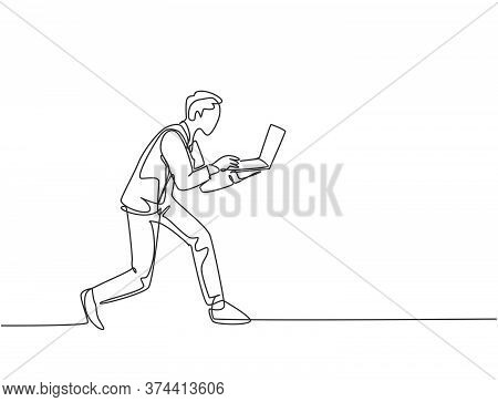 One Continuous Single Line Drawing Of Young Rush Male Worker Typing On Laptop While He Does Sprint R