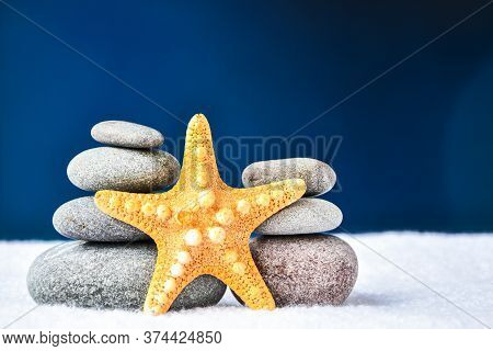 Pebbles Stack With Starfish, Balance, Pyramid Of Stones For Meditation, Stack Of Zen Stones, Copy Sp
