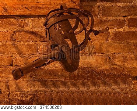 A Scolds Bridle, Sometimes Called A Witchs Bridle, A Branks Bridle, Or Simply Branks, Was An Instrum