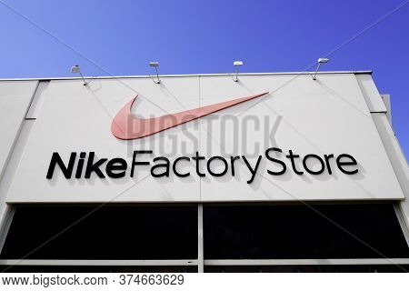 Bordeaux , Aquitaine / France - 07 02 2020 : Nike Factory Store Logo And Text Sign In Shop Storefron