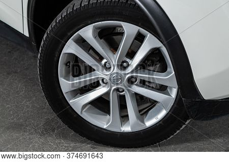 Novosibirsk/ Russia - June 10  2020:  Nissan Juke, Close-up Of The Alloy Wheel. Photography Of A Mod