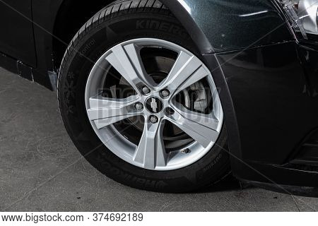 Novosibirsk/ Russia - June 30 2020: Chevrolet Cruze,  Close-up Of The Alloy Wheel. Photography Of A