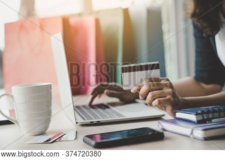 Close Up Shots Hands Of Person Shopping On Ecommerce And Using Credit Card Payment Via Online Bankin