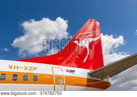 Avalon, Australia - March 1, 2015: Tail Of Qantas Boeing 737 Vh-xzp Known As Retro Roo Which Wears A
