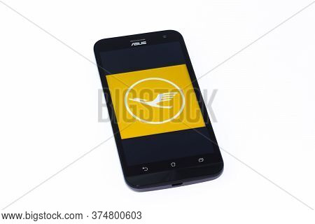 Kouvola, Finland - 23 January 2020: Lufthansa App Logo On The Screen Of Smartphone Asus