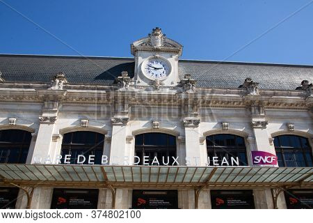 Bordeaux Nouvelle Aquitaine / France - 03 28 2019 :  Facade Of Main Railway Station Known As Gare Sn