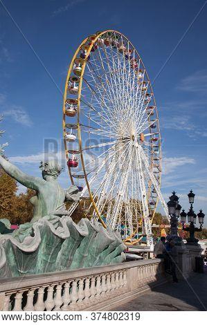 Bordeaux , Aquitaine / France - 11 07 2019 : Bordeaux Ferris Wheel Big City Tourist Attraction In Fu