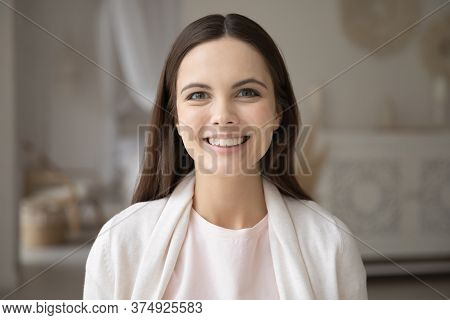 Head Shot Portrait Beautiful Young Woman With Healthy Toothy Smile