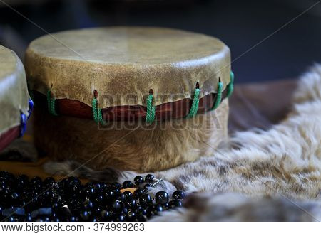 Beautiful Hand-made Native American Indian Drum Made Of Buffalo Hide With Beads And Fur