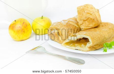 Apple strudel with apples and mint