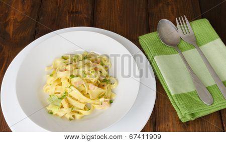 Fettucine With Chicken, Leek And Garlic