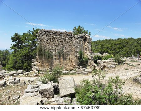 Remains  of the ancient city Seleukeia Lybre .
