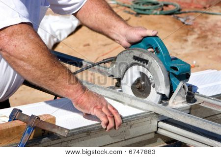 Cutting Soffit With Circular Saw