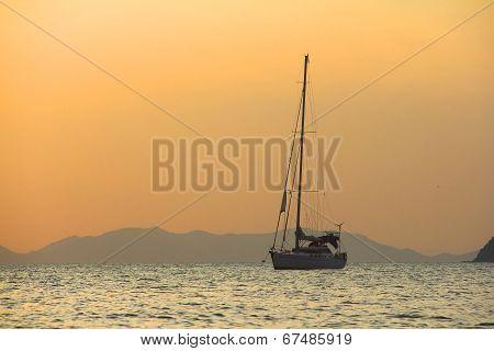 Sailing Yaht