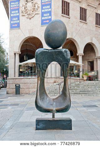 Miro sculpture Monument