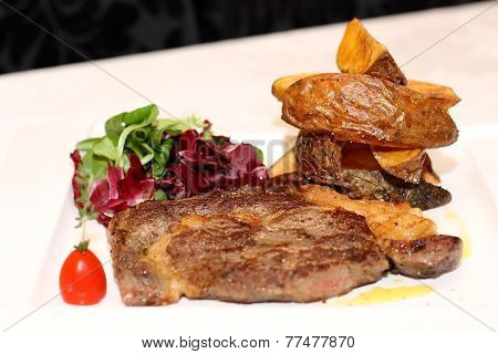 Pork meat with potatoes