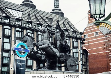 Boadicea Statue And Portcullis House In London