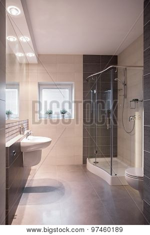 Luxurious Refitted Bathroom With Shower