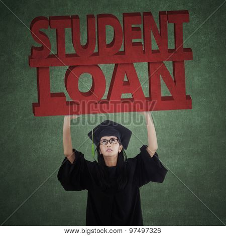 Bachelor Holds Student Loan Text