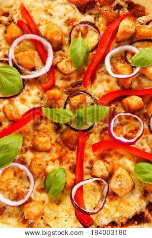 Pizza with chicken