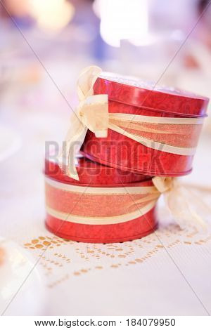 Close up the wedding gift for guest red box