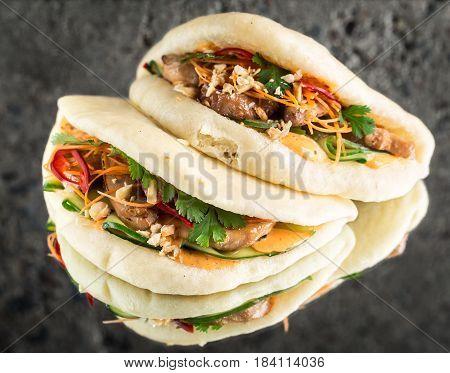 Bao bun steamed sandwich with chicken, gua bao