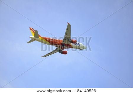 Phuket, Thailand-april 27, 2017: Vietjet Air Airlines Flight Departs From Phuket International Airpo