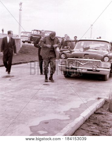 Fidel Castro got out of the car in Yangiyer Uzbekistan May 11 1963